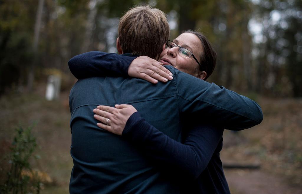 Ett känslosamt återseende när Clarence träffar en av sina hjältar, Elisabeth Ramén. Foto: PONTUS ORRE